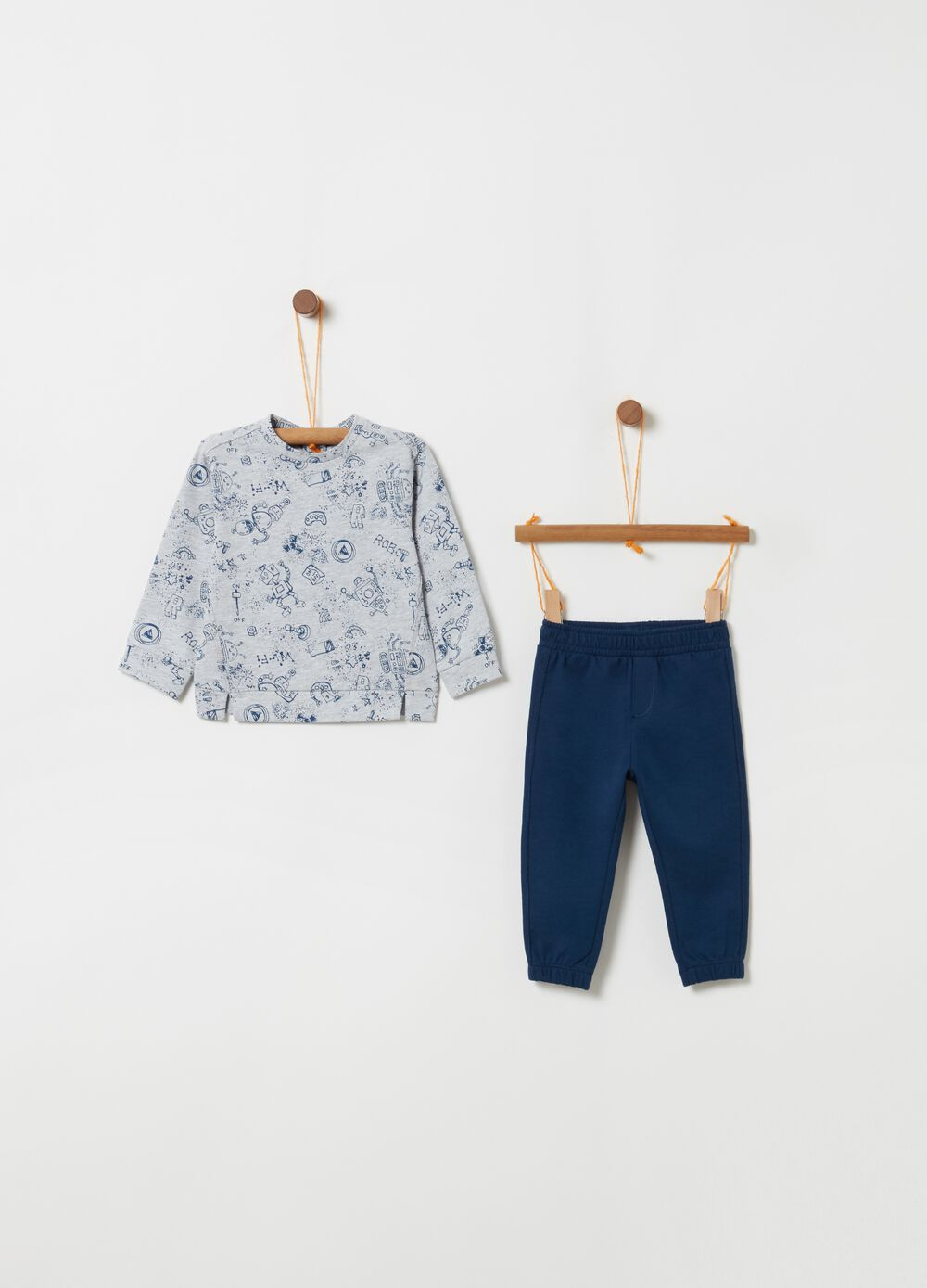 Top and trousers jogging set with robot motif