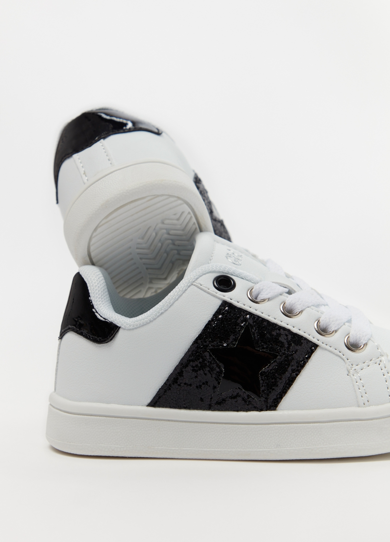 Sneakers con ricamo stella image number null