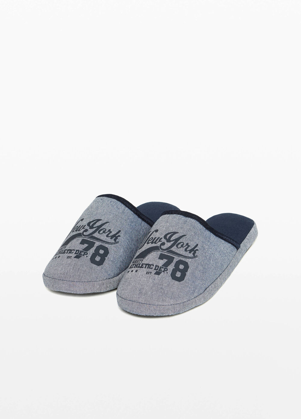 Slippers with trim and printed lettering