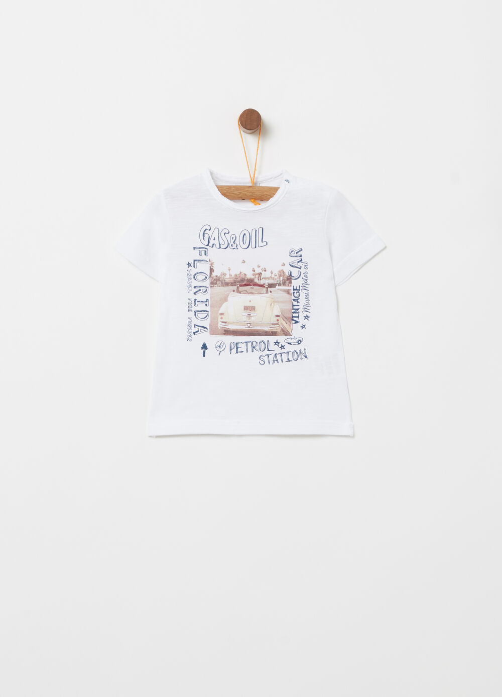 T-shirt with raw cut neck and print