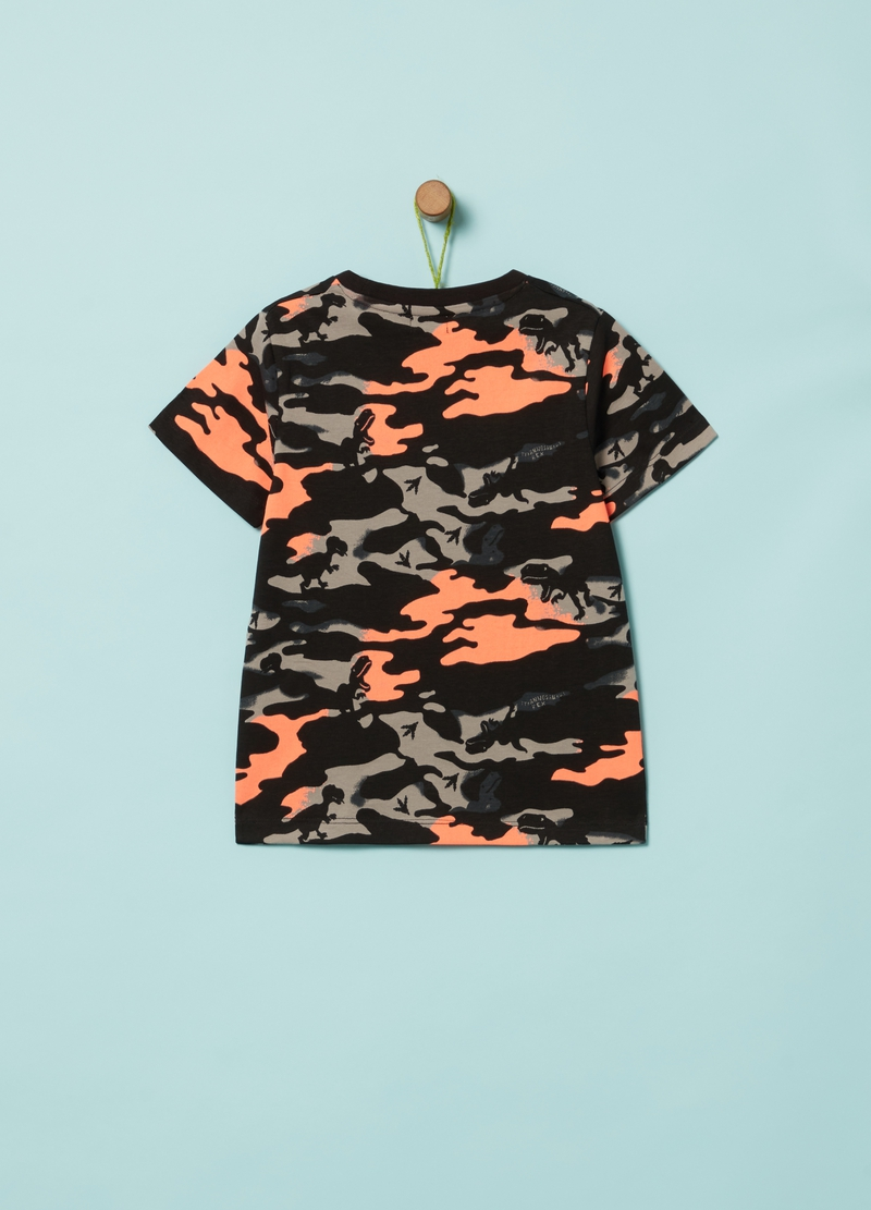 Camouflage T-shirt with dinosaurs image number null
