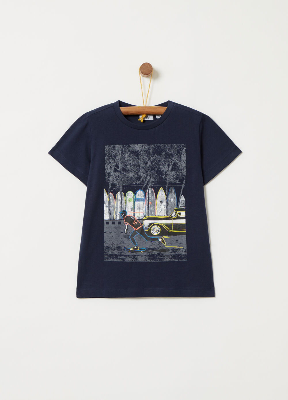 T-shirt with contrasting print on the front