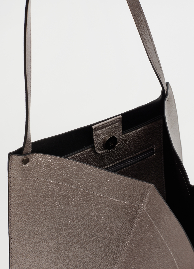 Textured leather-look shopping bag image number null