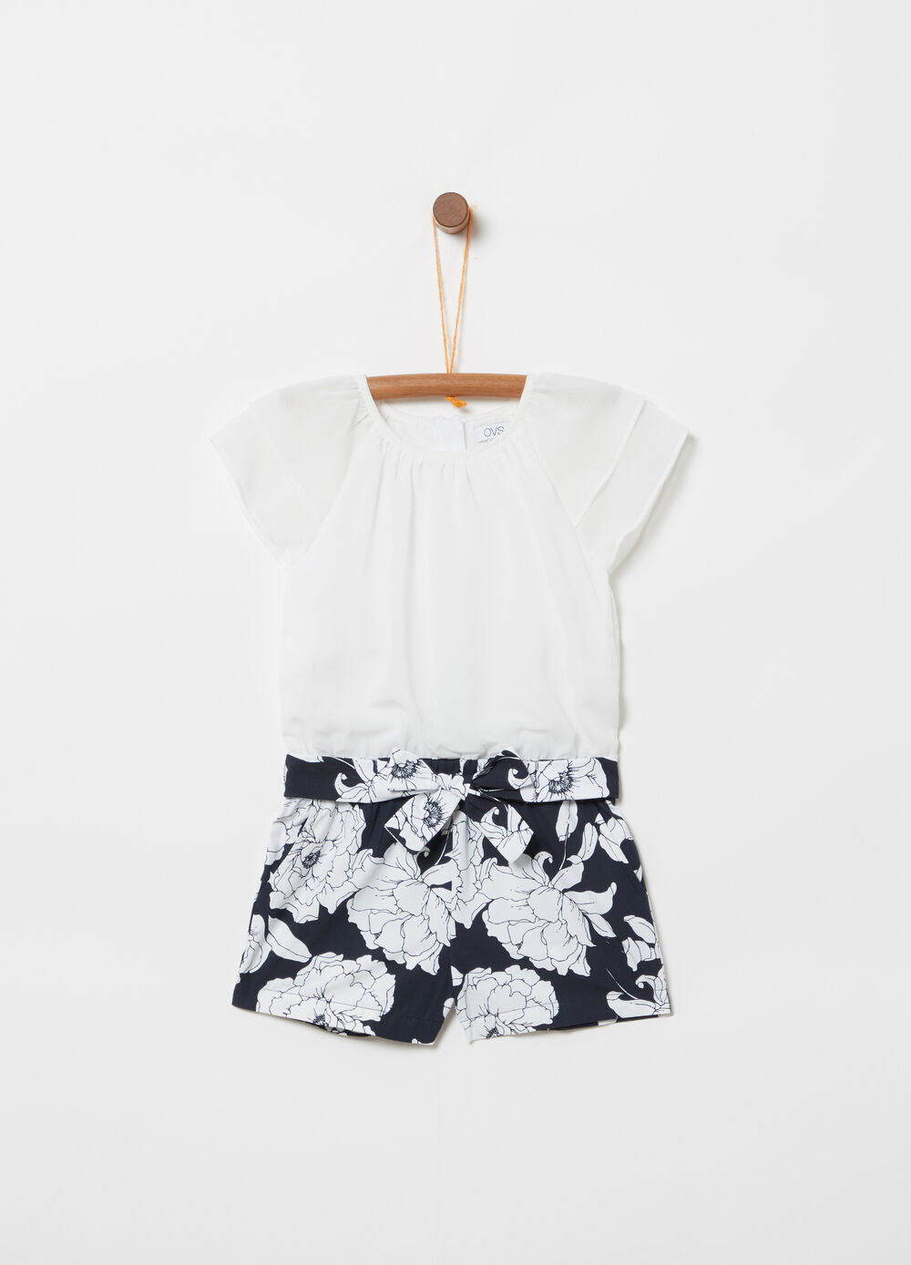 ***Short suit top and shorts floral sash