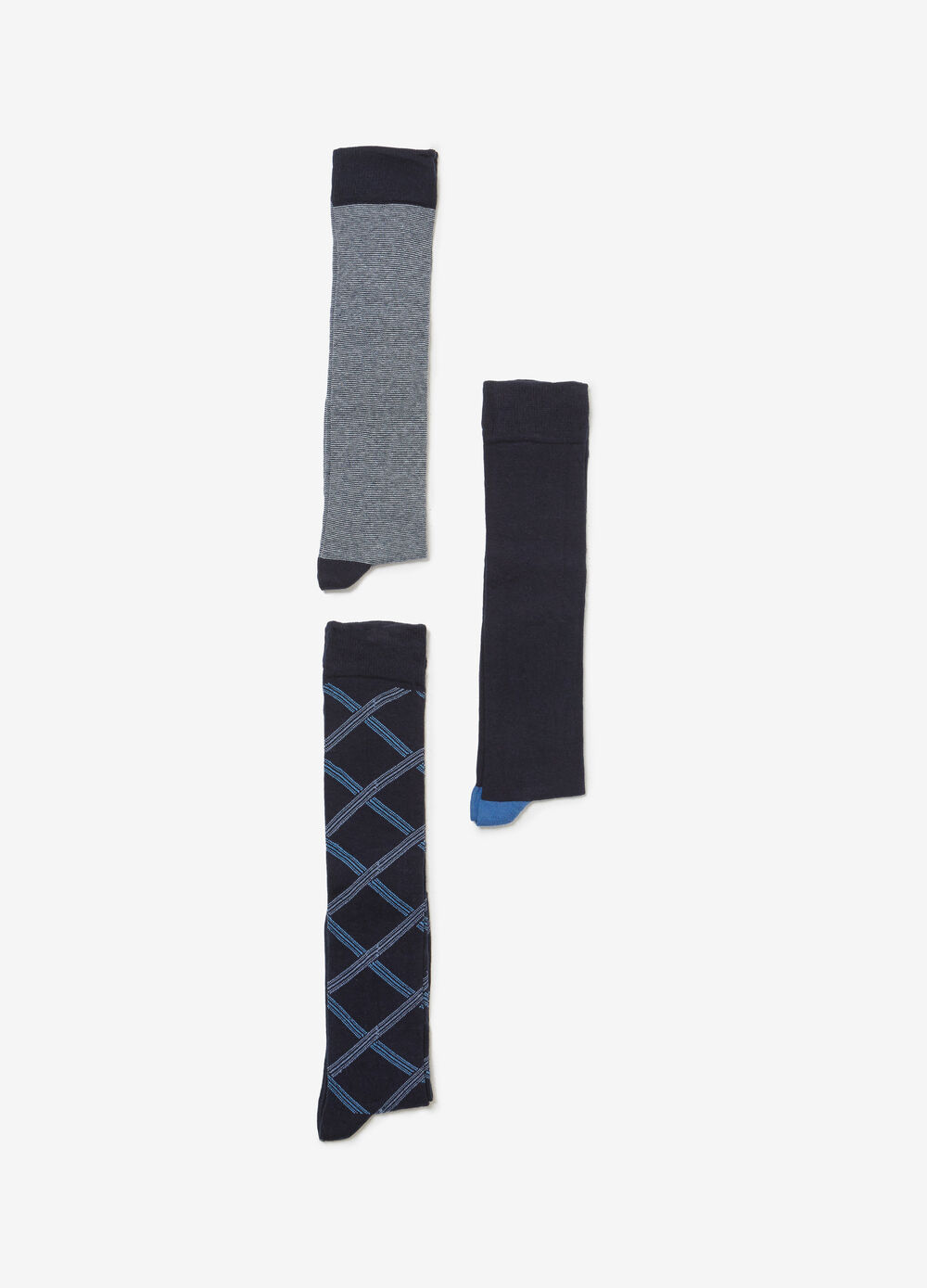 Three-pair pack solid colour and patterned long socks