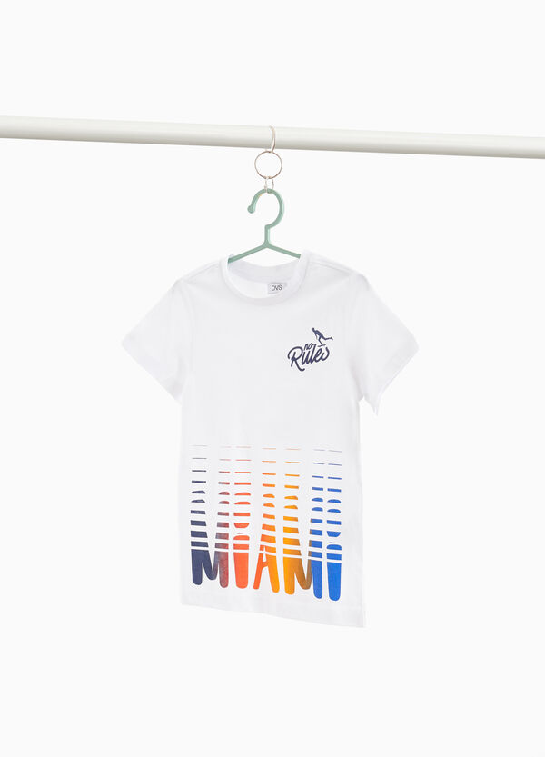 100% cotton T-shirt with contrasting lettering