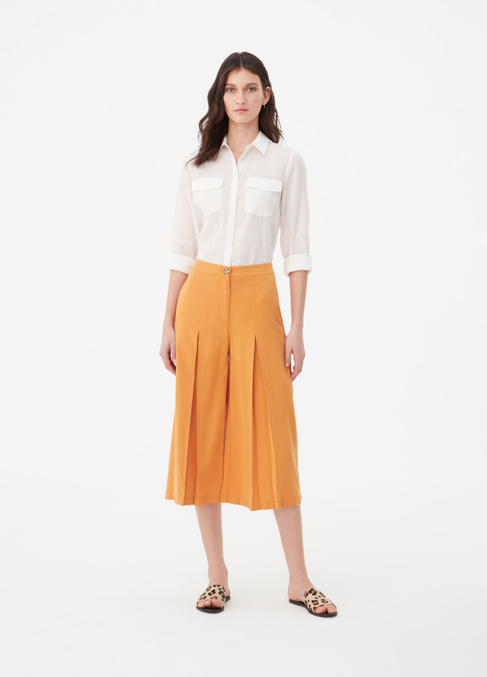 High-waisted culottes with buttons