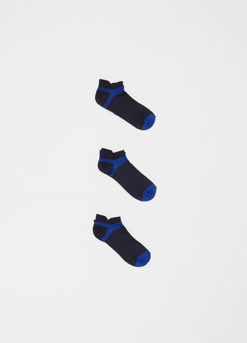 Three-pack sports socks in technical yarn