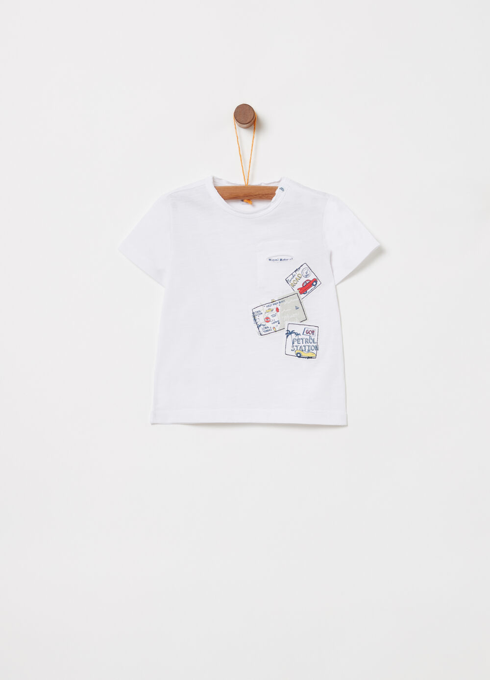 Organic cotton T-shirt with applications