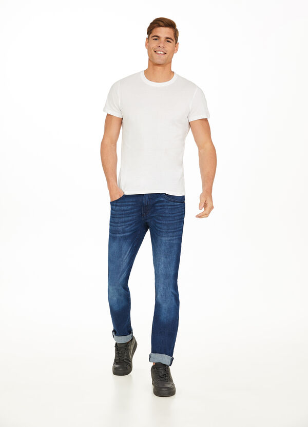 Slim-fit stretch jeans with turned-up hems