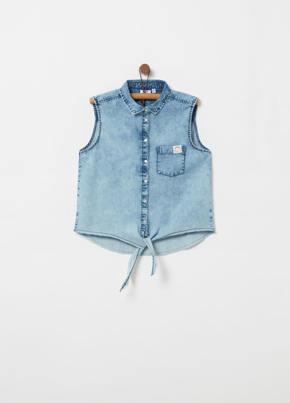 Sleeveless cotton chambray shirt with knot