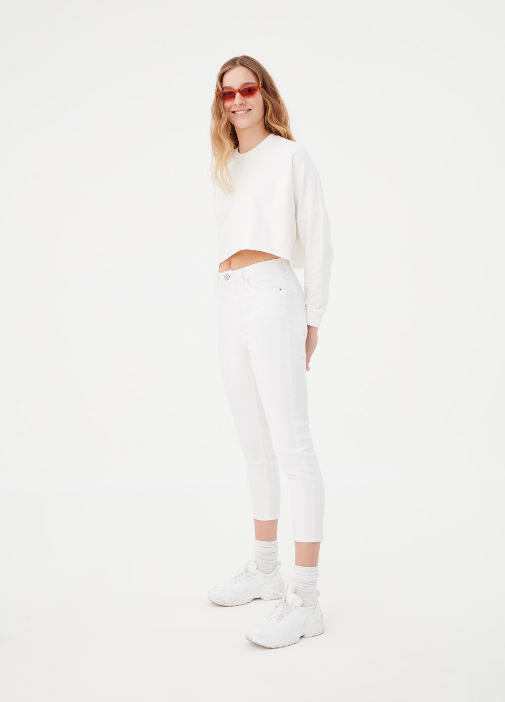 Solid colour crop-fit sweatshirt with round neck