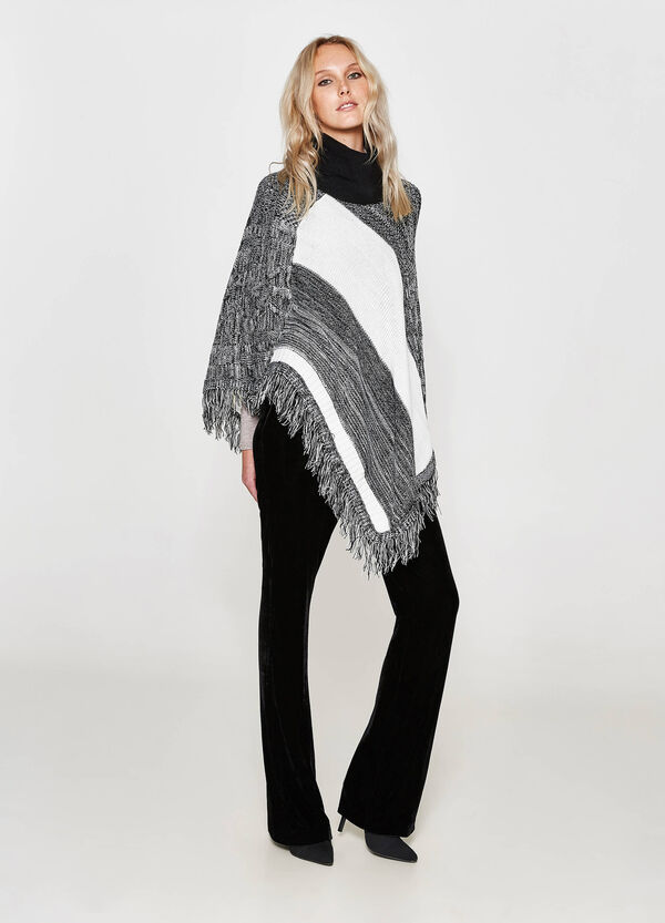 Two-tone poncho with fringe