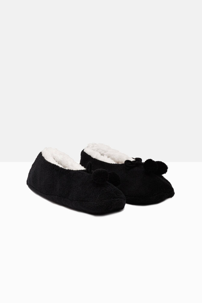 Solid colour slippers with pompoms