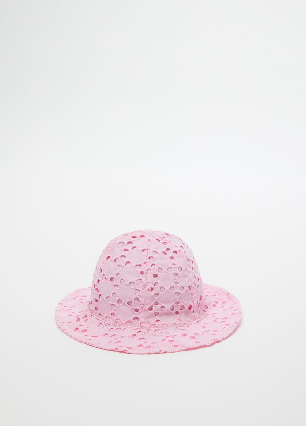 Fishing hat in broderie anglaise
