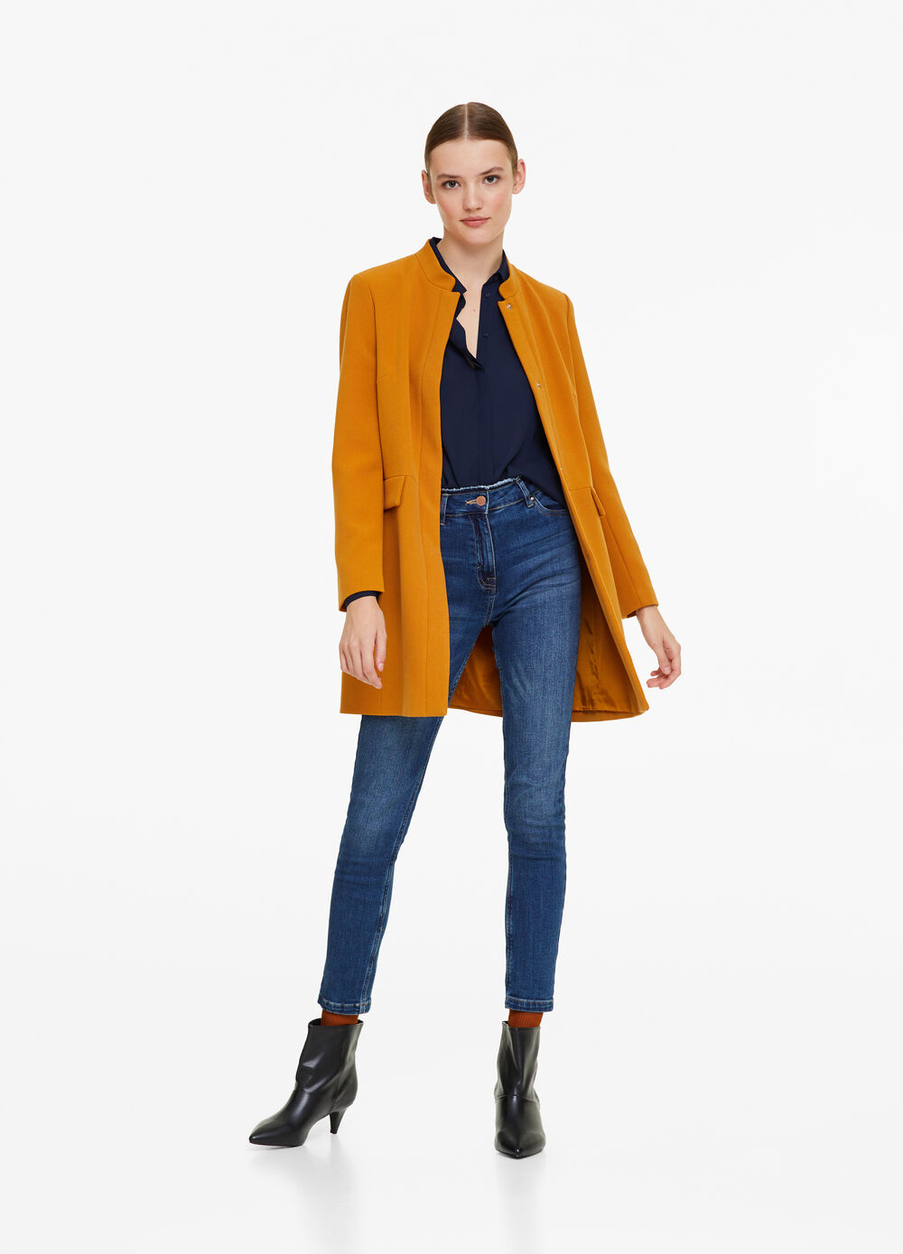Solid colour coat with pockets