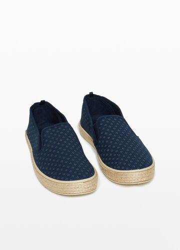 Slip-on with patterned upper