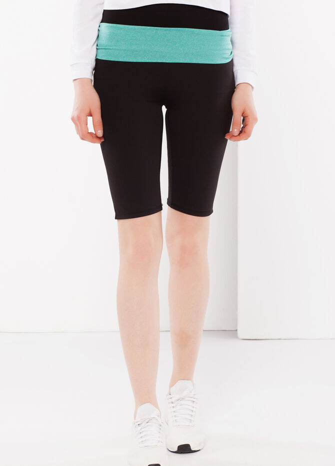 Two-tone stretch shorts.