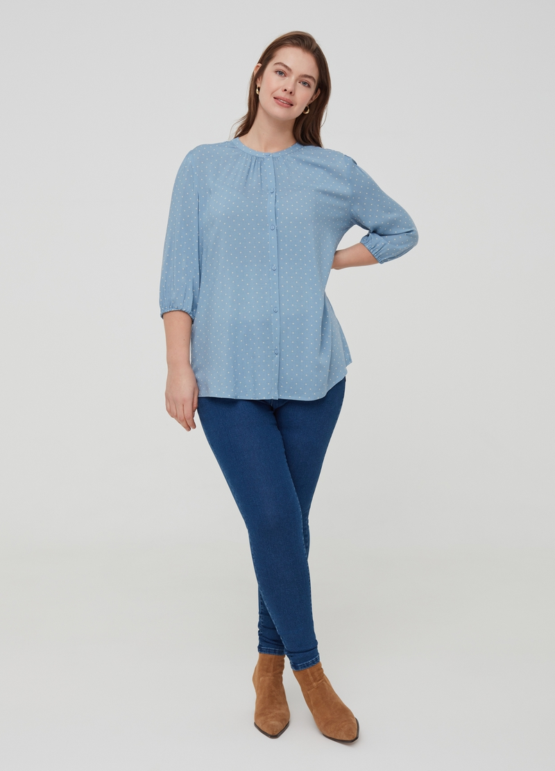 Curvy patterned blouse in 100% viscose image number null
