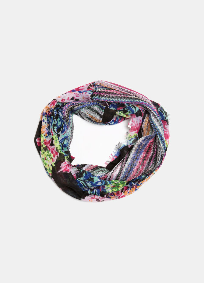 Circle scarf with Lurex threads