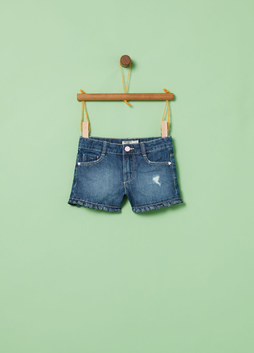 Shorts in denim effetto used cinque tasche
