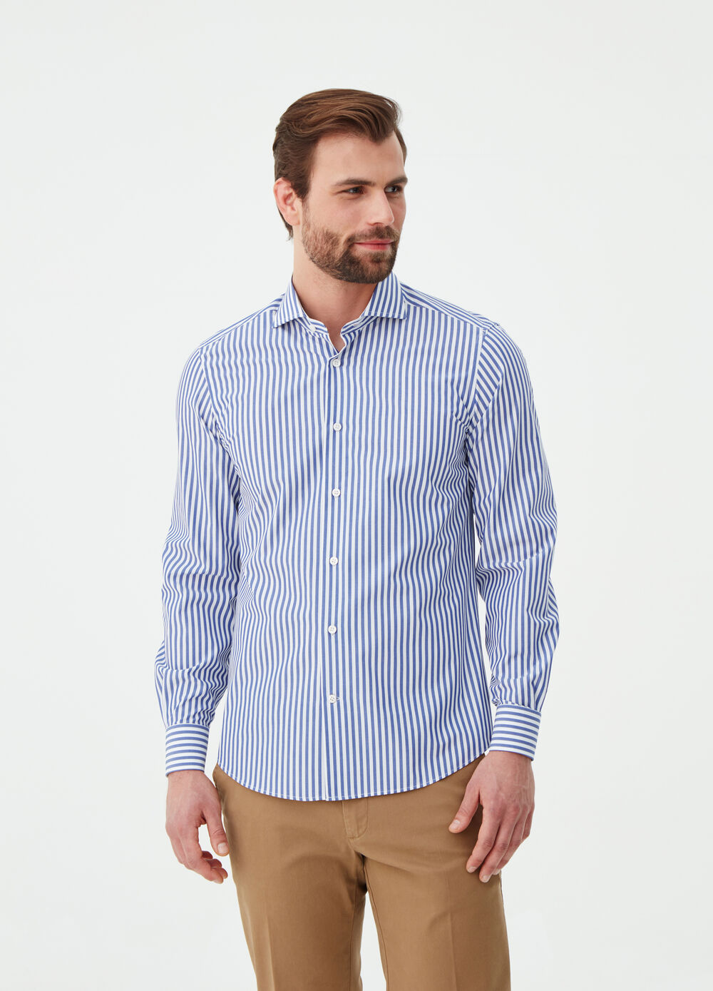 Slim-fit shirt in striped poplin