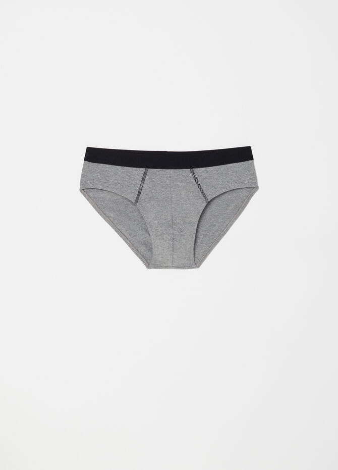 Three-pack stretch briefs with external elastic