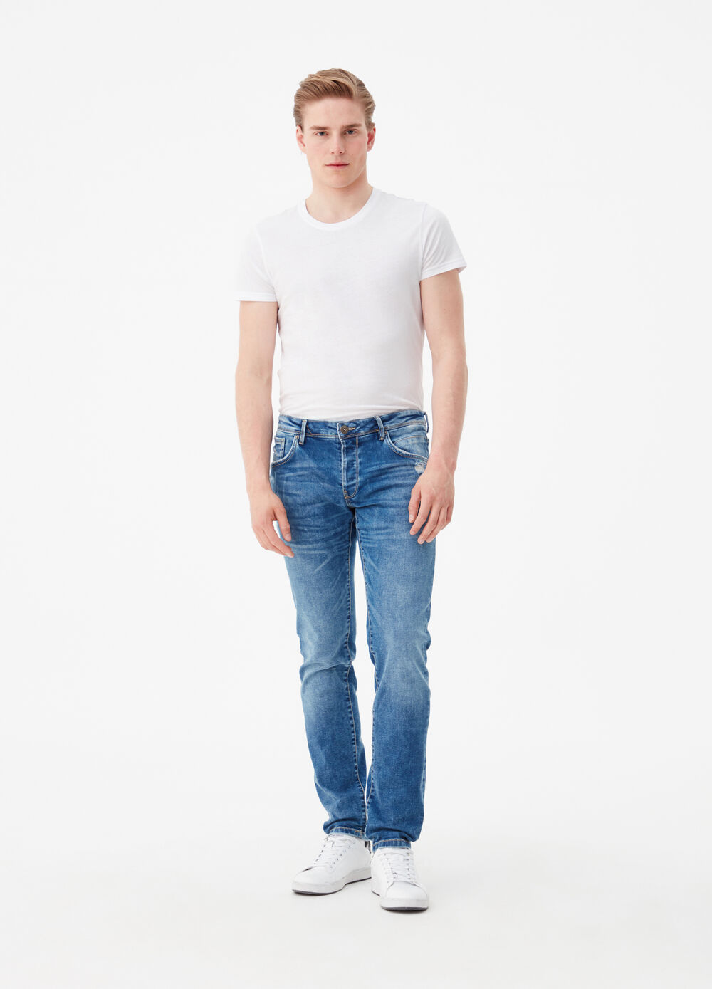 Five-pocket,straight-fit jeans
