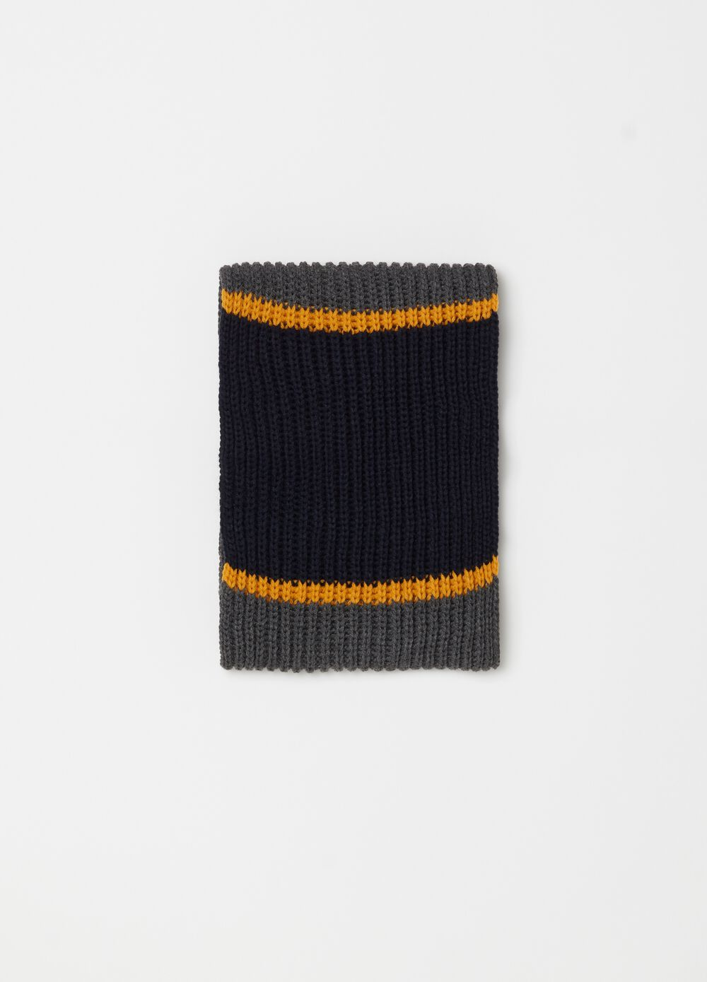 Long two-tone knitted scarf