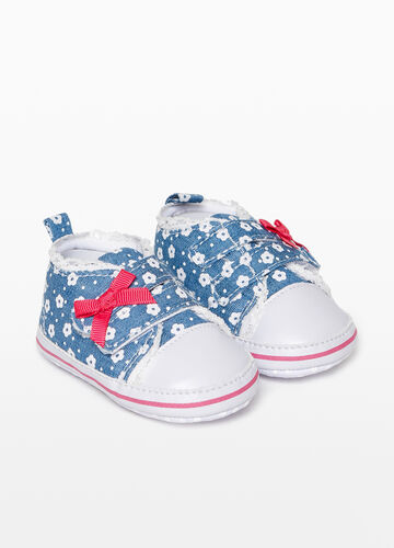 Sneakers in floral and polka dot canvas