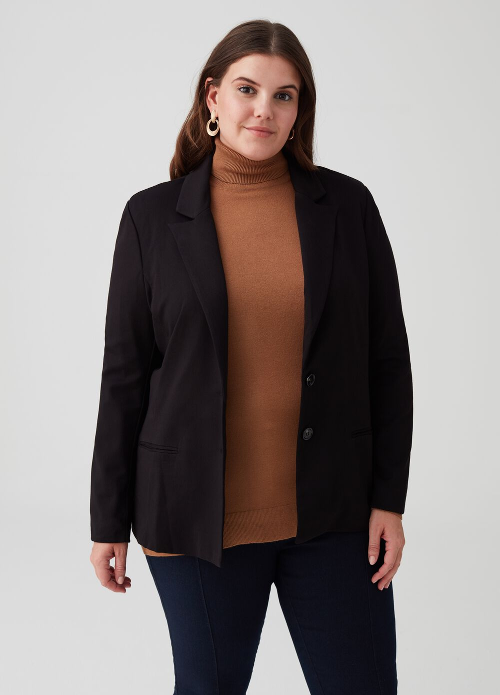 Curvy blazer with two-button lapels