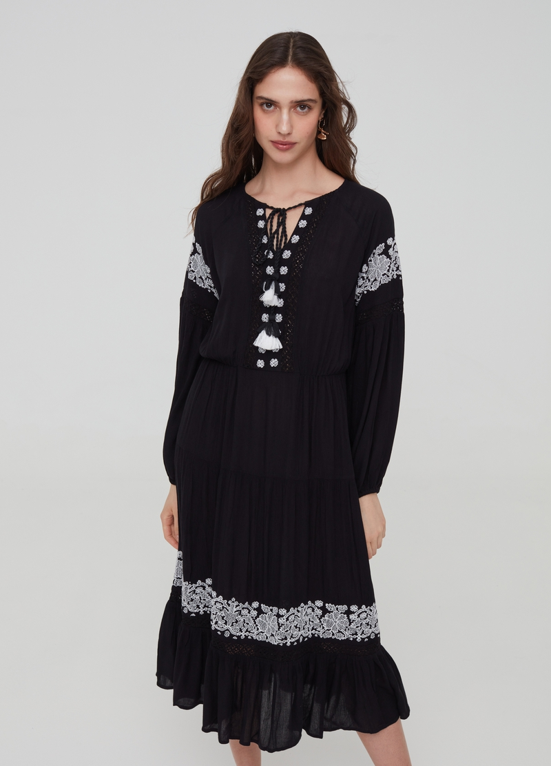 Long viscose dress with embroidery and lace image number null