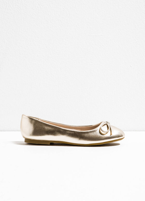 Patent ballerina pumps with bow | OVS