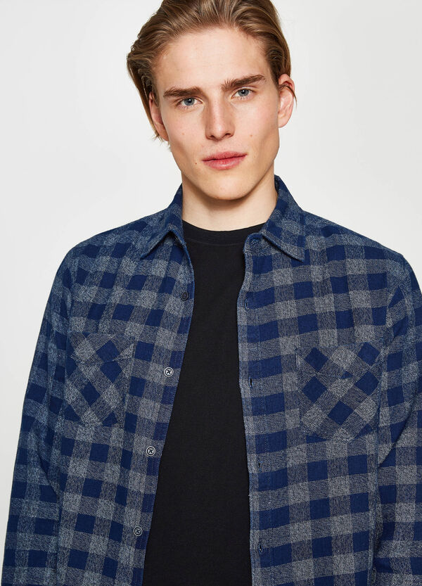 Casual shirt in check flannel