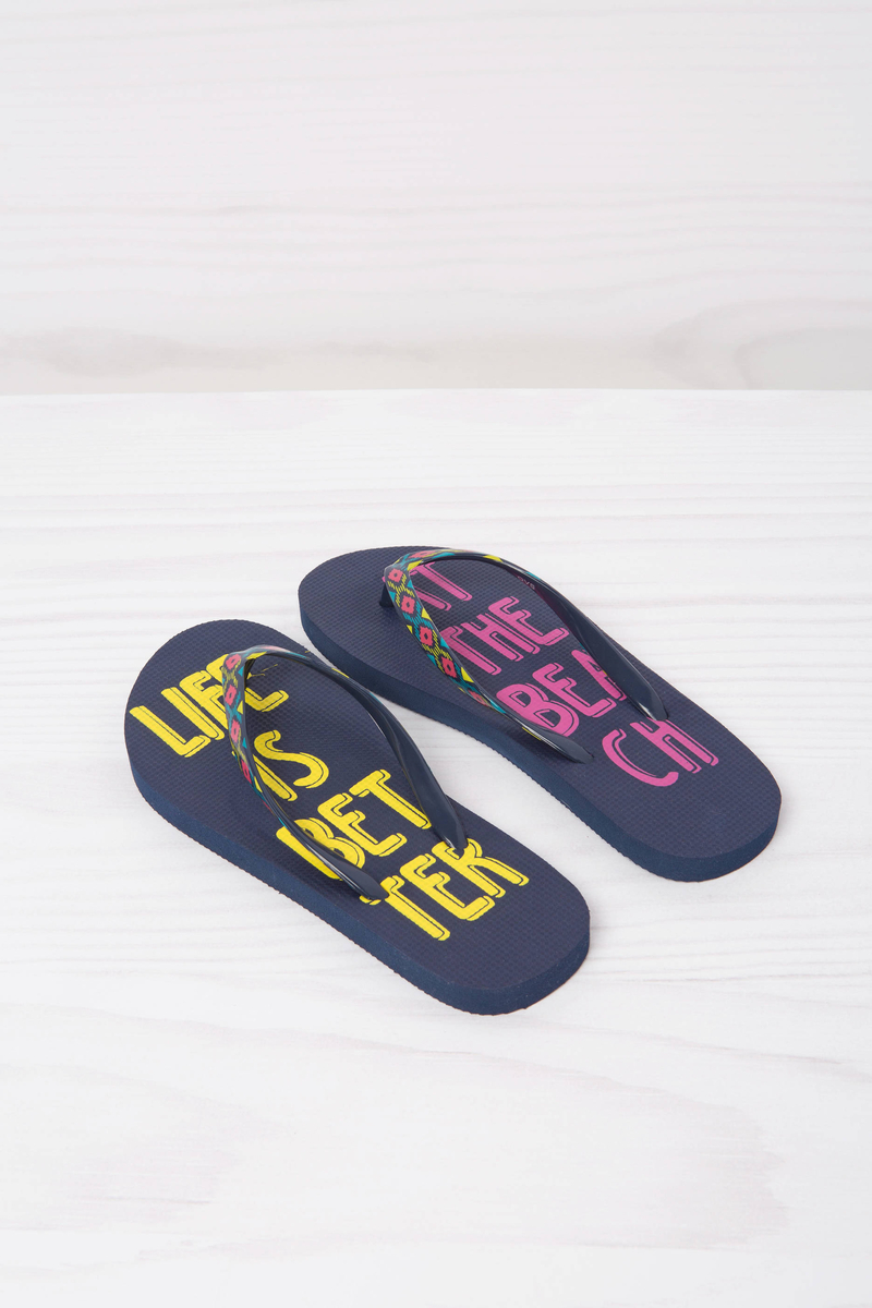 Printed thong sandals. image number null