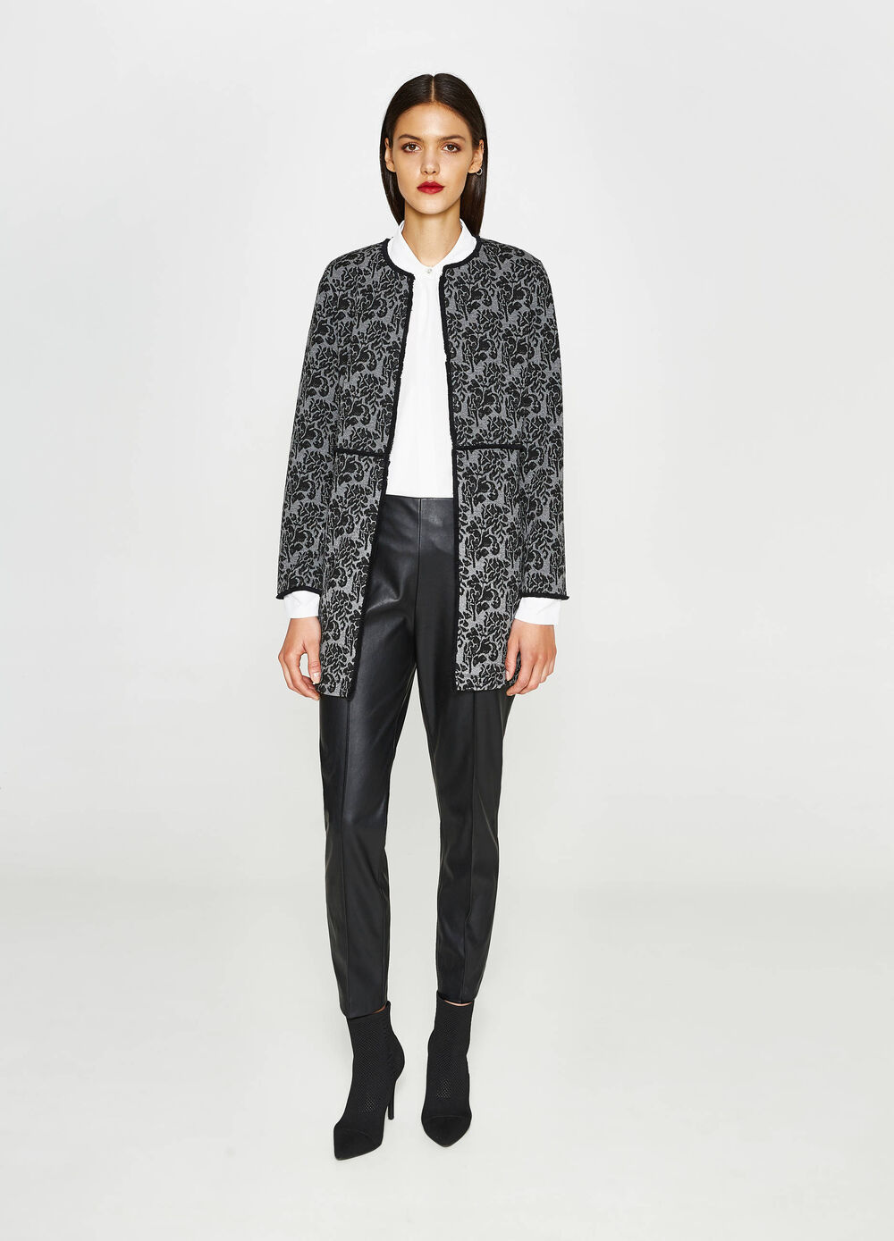 Stretch jacket with floral design