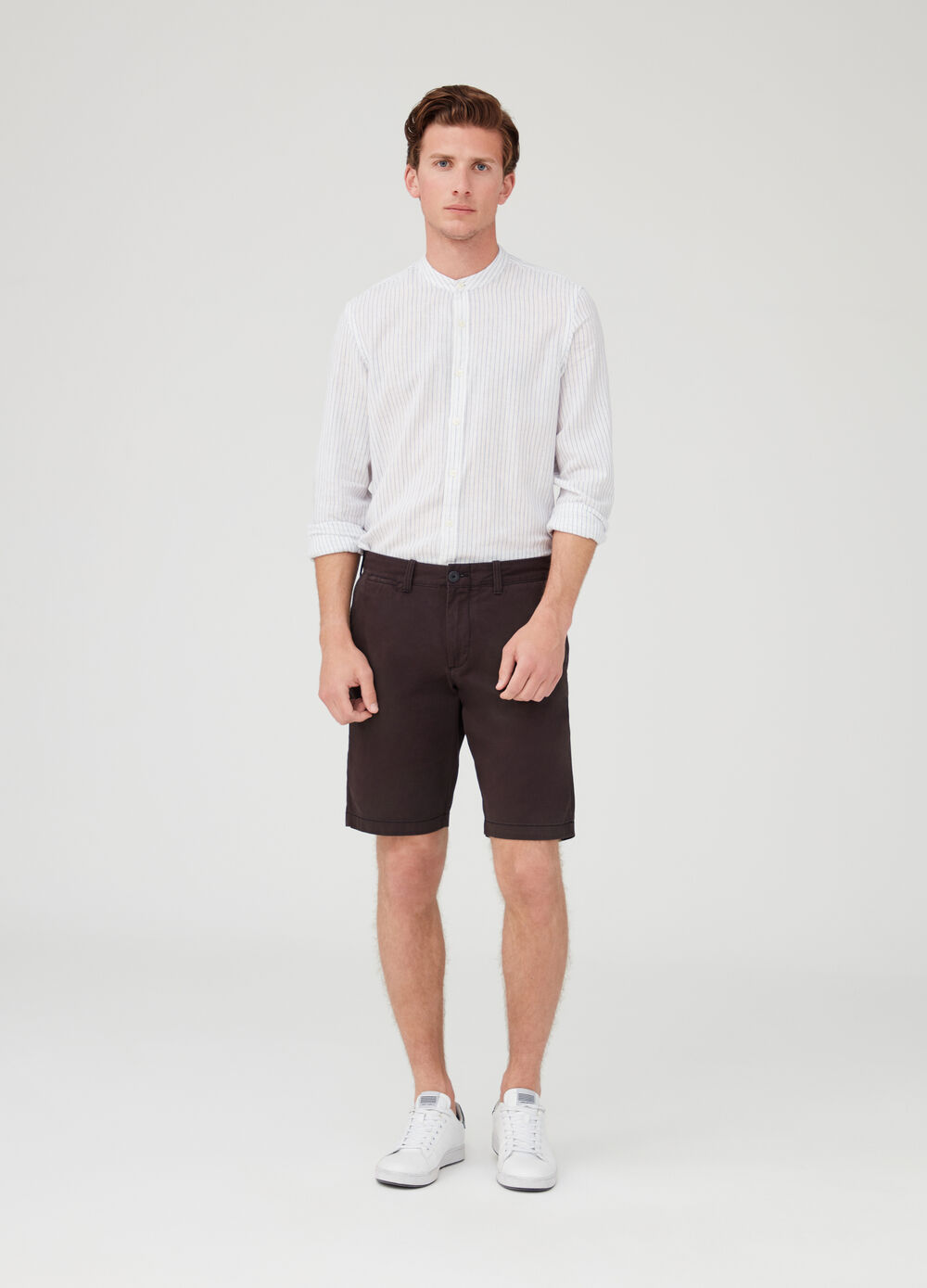 Solid colour regular-fit chino shorts