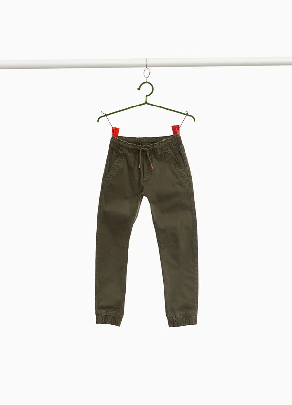 Pantaloni chino jogger fit con coulisse
