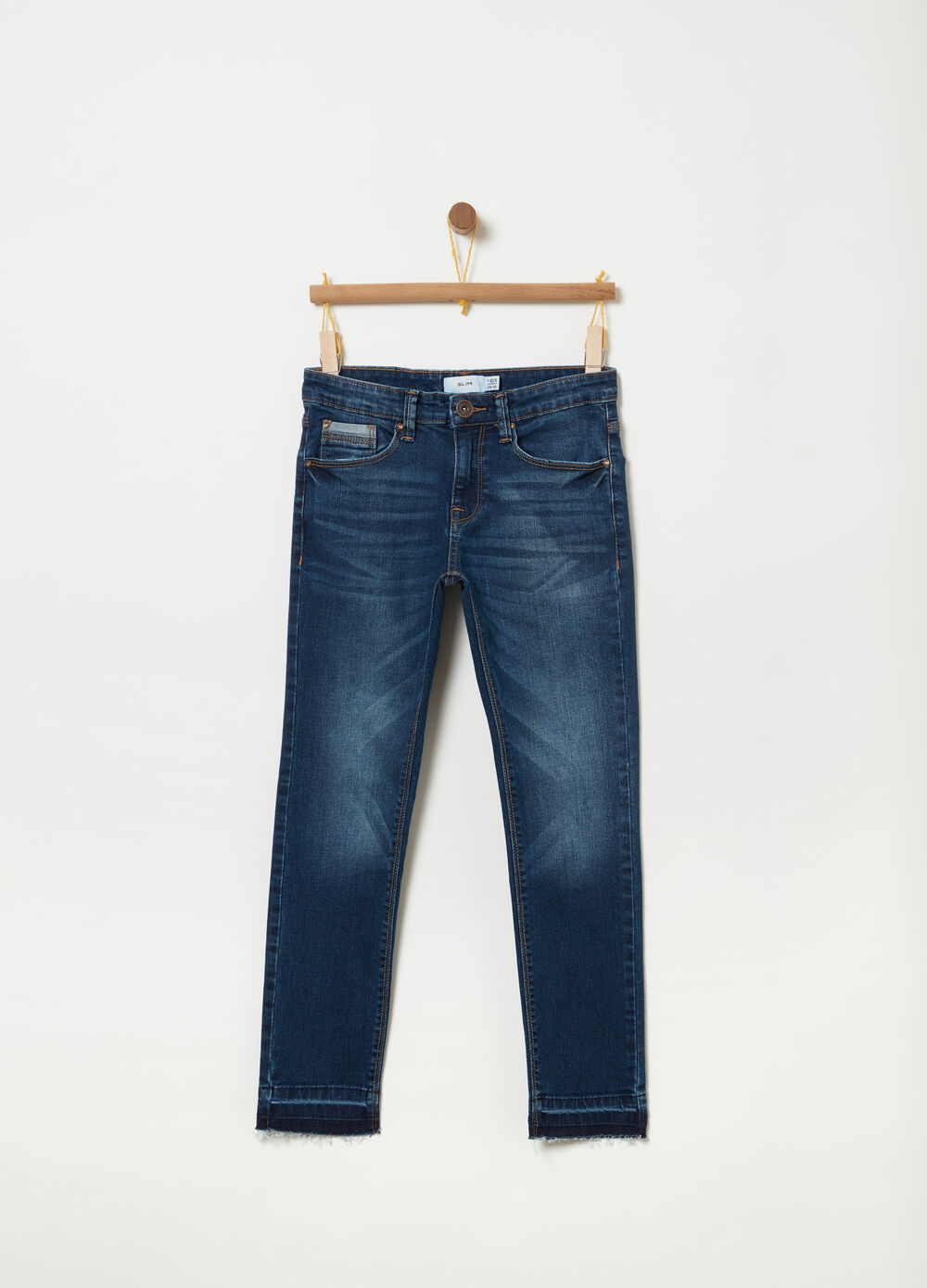 Slim-fit stretch jeans with contrasting edging