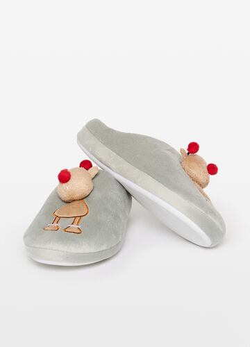 Slippers with reindeer patch