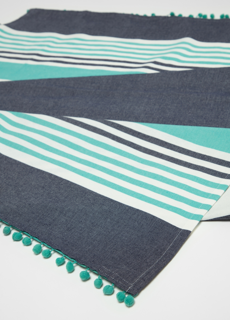 Beach towel in 100% cotton with stripes image number null