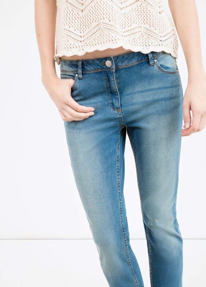 Slim fit jeans with whiskering and turn-ups