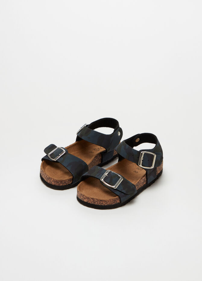 Sandals with straps and camouflage buckle
