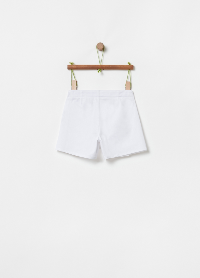 Stretch shorts with pockets and zip image number null
