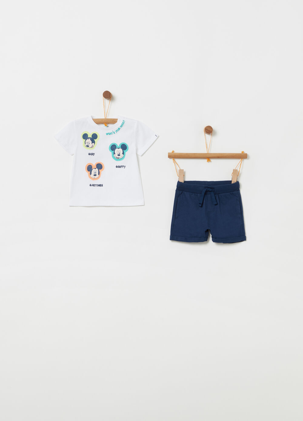 Disney T-shirt and shorts jogging set