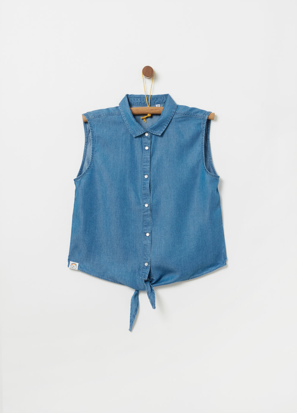 Sleeveless shirt in 100% lyocell with knot