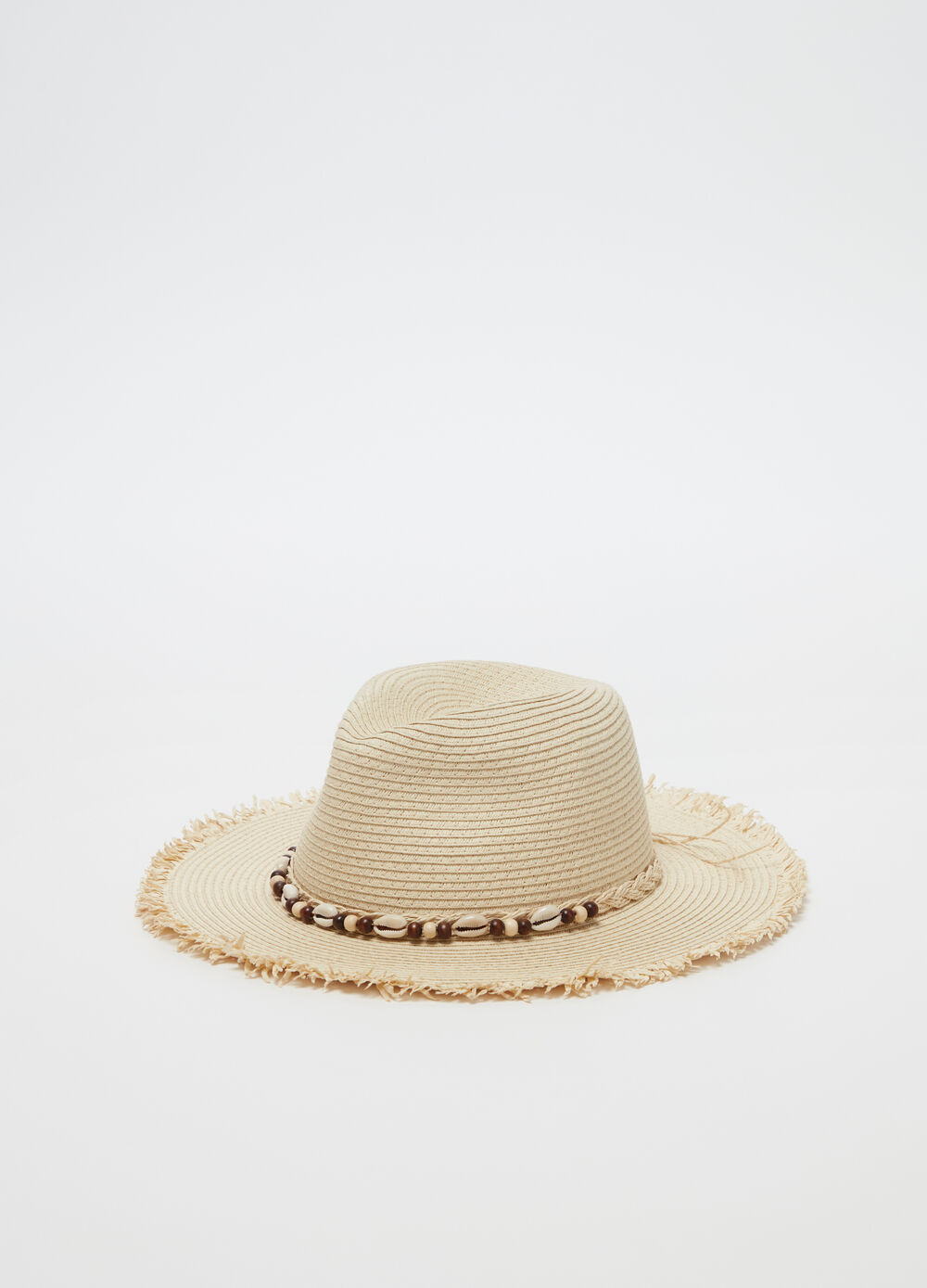 Straw-effect hat with shells