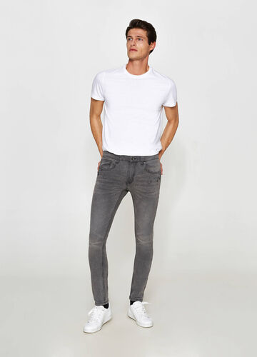 Jeans super skinny fit effetto used