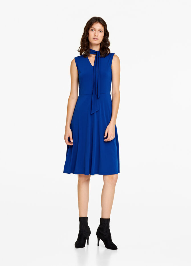 Sleeveless dress with laces
