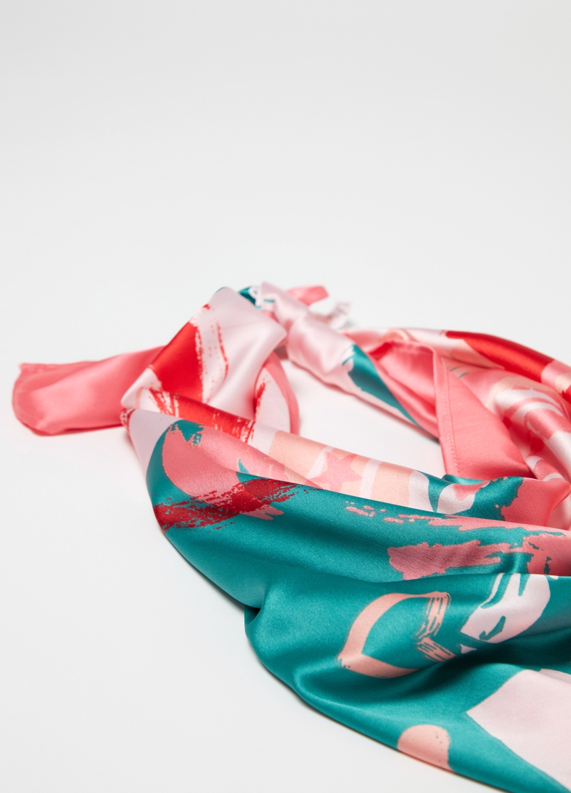 Hearts patterned foulard image number null